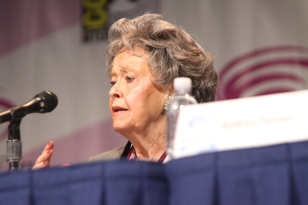 [NEWS] LORRAINE WARREN OF AMITYVILLE, CONJURING FAME PASSES AWAY AT 92