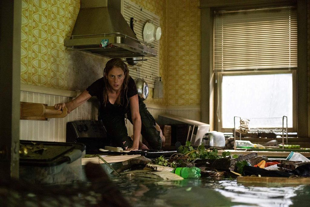 [TRAILER] CRAWL TRAILER SHOWS THAT NOVEL PREMISE HAS MAJOR TEETH