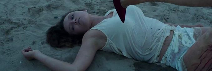 annie from it follows with her leg bent